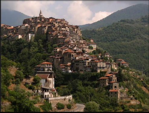 apricale-italy-221-crop